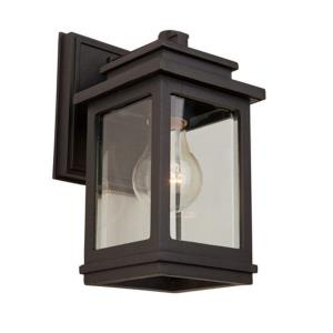 Freemont-1 Light Outdoor Wall Mount in Transitional Outdoor Style-5 Inches Wide by 10 Inches High