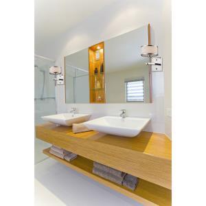 Utica - Three Light Bath Vanity