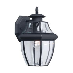 One Light Outdoor in Traditional Style - 7.75 inches wide by 12 inches high